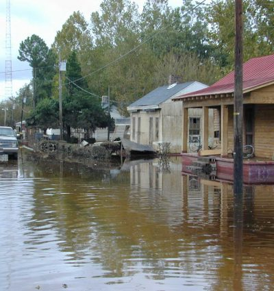 FEMA_-_405_-_Photograph_by_Dave_Saville_taken_on_09-27-1999_in_North_Carolina